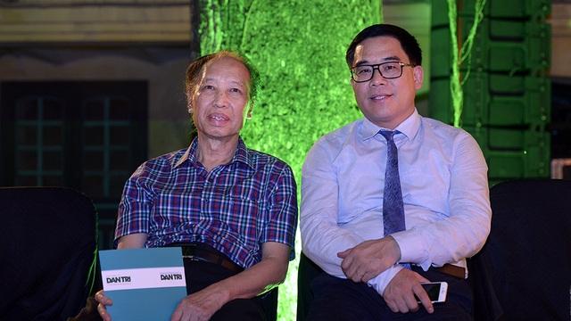 Ông Phạm Huy Hoàn - TBT báo Dân Trí và ông Đỗ Đình Hồng - GĐ Sở Du lịch Hà Nội trong buổi họp báo.