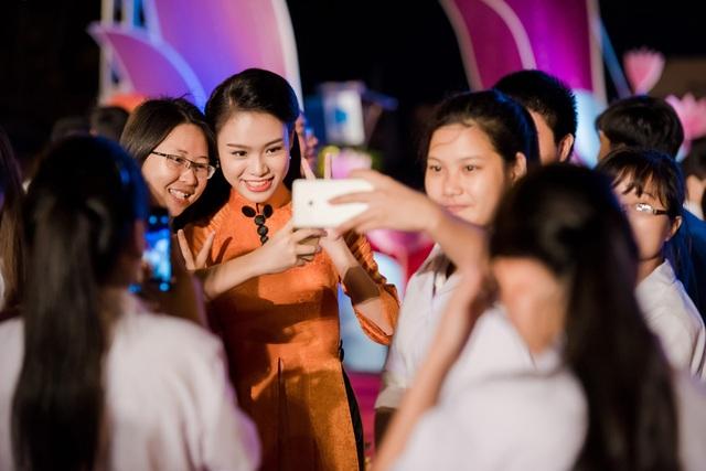 Được tham gia sự kiện ý nghĩa này, Ngọc Vân cho biết cô cảm thấy tự hào với sức trẻ của thế hệ thanh niên Việt Nam. Cũng với tư cách là một người trẻ hiện đại, Ngọc Vân cho biết cô có thêm động lực để hoàn thiện bản thân mình và đóng góp nhiều hơn cho xã hội.