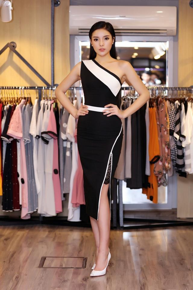 Hoa hậu Kỳ Duyên xuất hiện nổi bật.