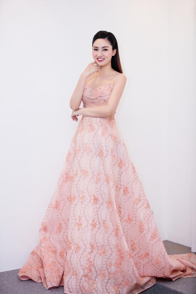 Hoa hậu Mỹ Linh hội ngộ dàn sao trước khi vào miền Trung từ thiện - 9
