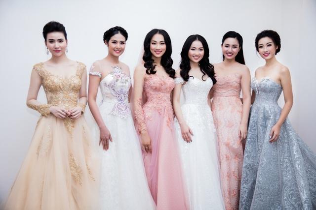 Hoa hậu Mỹ Linh hội ngộ dàn sao trước khi vào miền Trung từ thiện - 5