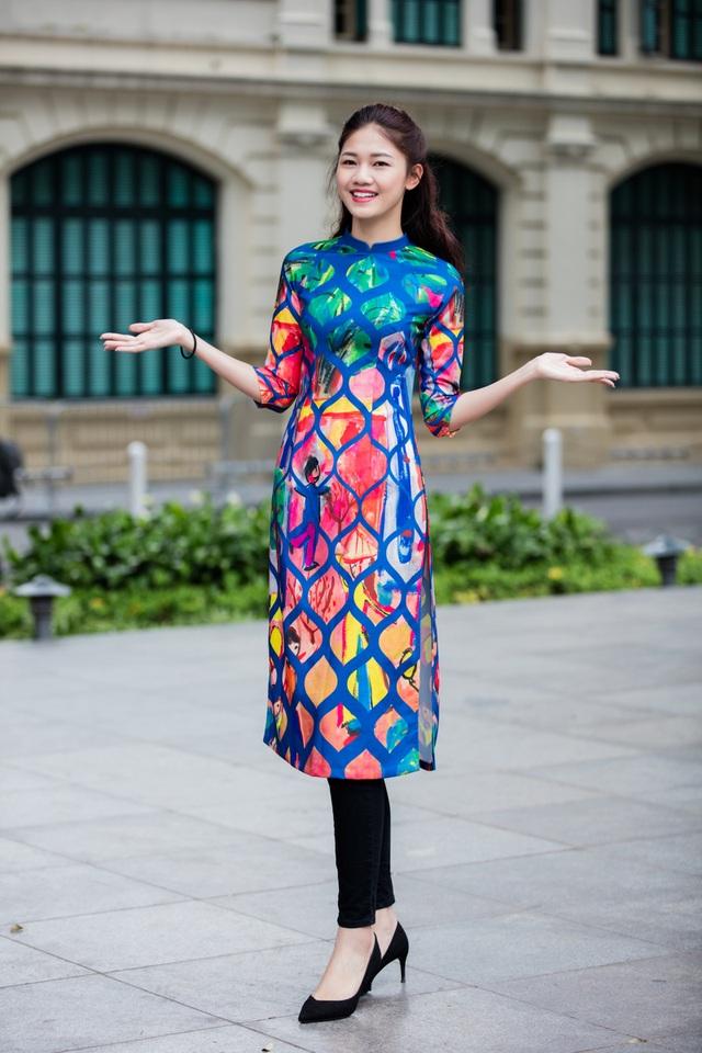 Ngọc Hân, Mỹ Linh, Thanh Tú mặc áo dài nhảy flashmob ở Hồ Gươm - 13