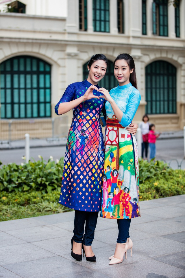 Ngọc Hân, Mỹ Linh, Thanh Tú mặc áo dài nhảy flashmob ở Hồ Gươm - 12