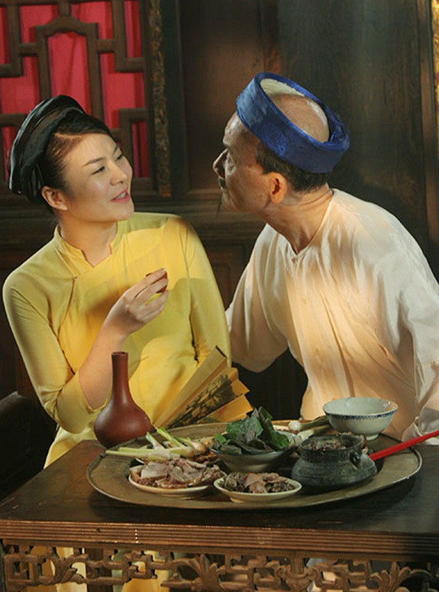 Ảnh hậu trường đóng hài Tết của nghệ sĩ Phạm Bằng và Kim Oanh. Ảnh: PĐH.