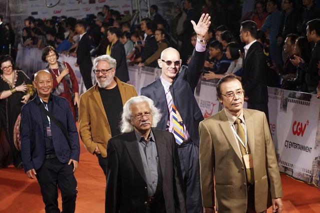 Các đoàn điện ảnh quốc tế đã nhận được rất nhiều sự cổ vũ của các khán giả Việt Nam.