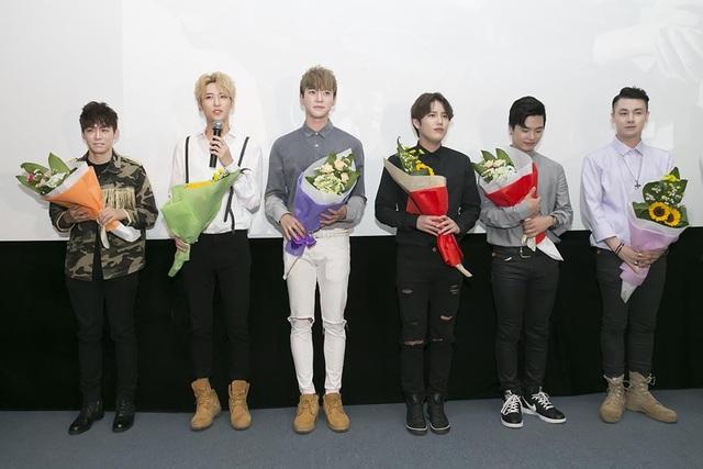 Cũng ngay trong buổi giao lưu thân mật, Trương Ngọc Ánh đã tiết lộ các thành viên trong nhóm Offroad và nhạc sĩ, ca sĩ Jis sẽ cùng góp mặt trong một bộ phim mới do công ty cô hợp tác sản xuất.