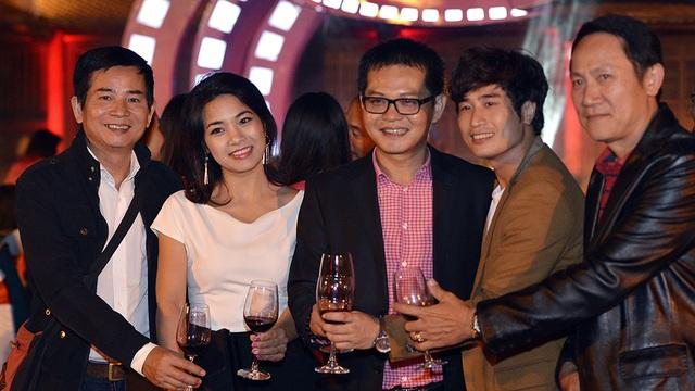 Nghệ sĩ Vũ Đình Thân, diễn viên Thu Hằng, NSND Trung Hiếu và diễn viên Hoàng Hải.