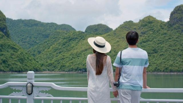 Nhiều thành viên phía ê-kíp Hàn Quốc đã rất ngạc nhiên khi lần đầu đặt chân đến Vịnh Hạ Long. Nhân vật đóng Junsu cũng cảm thấy hào hứng khi được đóng cảnh tình yêu trong khung cảnh đầy thơ mộng của kỳ quan thiên nhiên thế giới này.