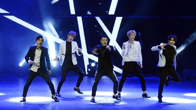 Tiết mục Bebop của nhóm nhạc Off Road (Hàn Quốc).