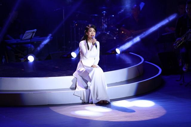 Hơn 3 tiếng đồng hồ, Thu Phương đã kể lại câu chuyện của 30 năm gắn bó với âm nhạc.