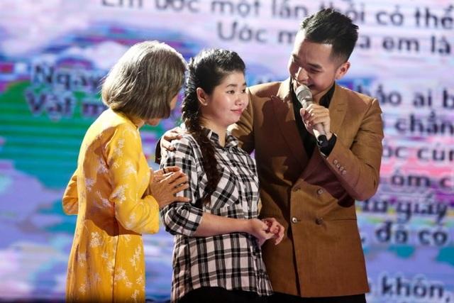 Phạm Hồng Phước và em gái trong tập đầu của Sing My Song 2016. Ảnh: TL.