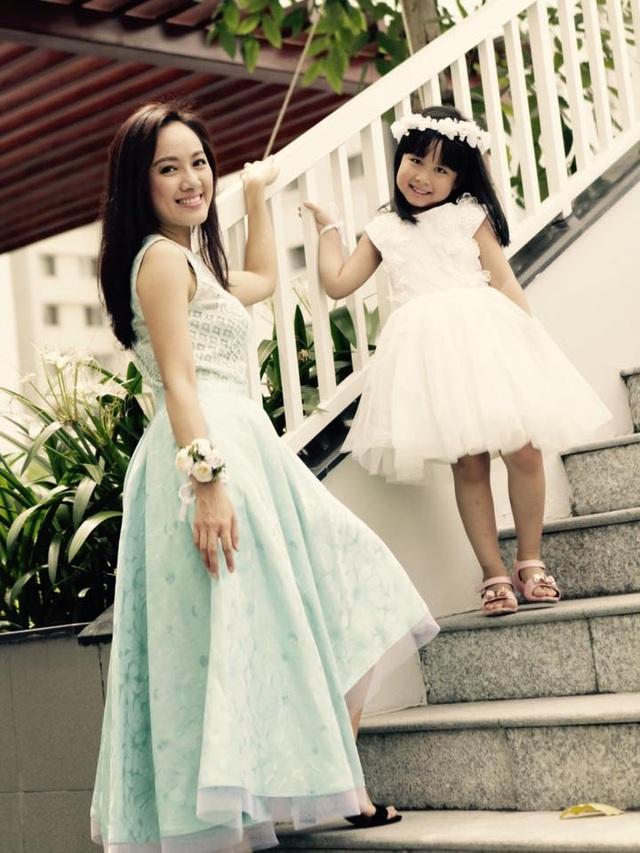 BTV Hoài Anh và con gái. Ảnh: TL.