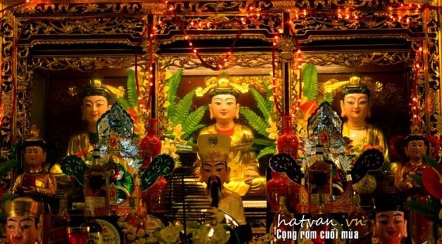 Tam toà Thánh Mẫu là 3 vị thánh tối linh trong tín ngưỡng thờ Mẫu Tam phủ. Ảnh:hatvan.vn
