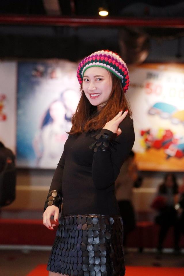 Hoạ mi Khánh Linh.