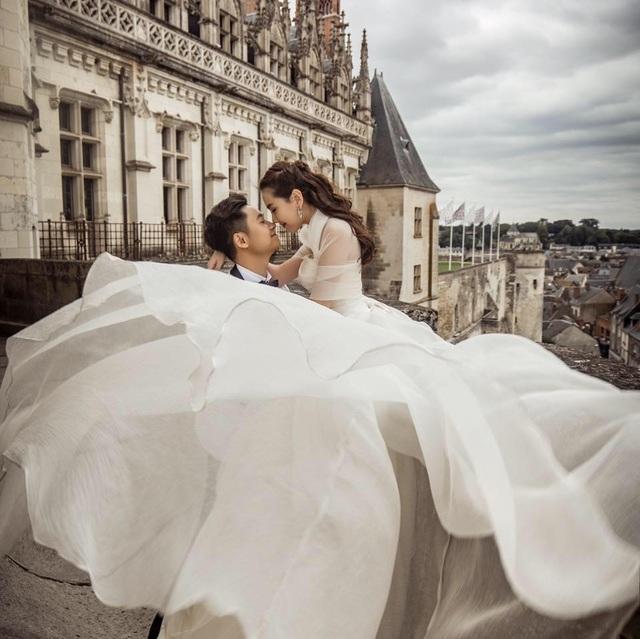 Ảnh cưới chụp ở châu Âu của Mai Ngọc và chồng thiếu gia.