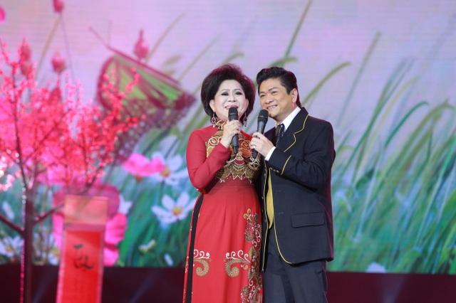 Danh ca Giao Linh và Thái Châu song ca một ca khúc về tình yêu.