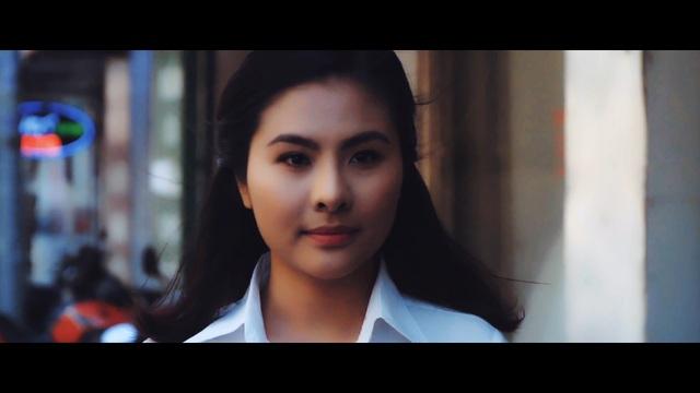 Cách tạo hình của Vân Trang trong phim mới.