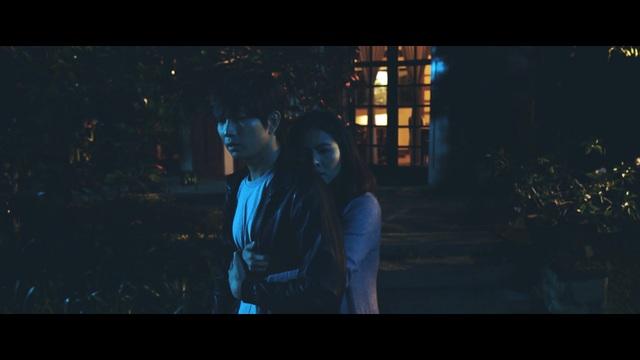 Vân Trang và ông xã Trương Quỳnh Anh chưa từng đóng chung, chưa một lần trò chuyện nên khi hóa thân thành một cặp đôi, họ không tránh khỏi sự ngượng ngùng.