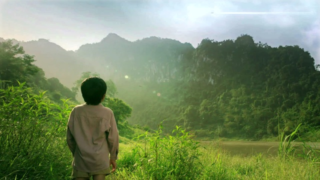 Phim có những cảnh quay núi rừng vùng Tây Bắc hùng vĩ và hoang sơ.