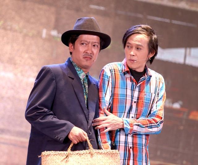 Trường Giang và Hoài Linh trong một vở kịch.