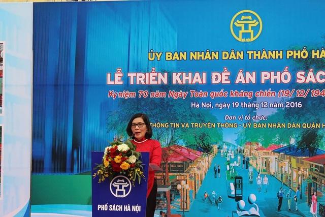 Bà Phan Tú Lan - Giám đốc Sở TT-TT Hà Nội phát biểu tại Lễ Khởi công Phố sách.