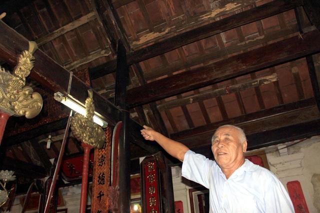 Ông Đặng Văn Tuyến, hậu duệ đời thứ 19 họ Đặng mong nhà nước, các cấp ngành quan tâm, sớm trùng tu ngôi đền đúng với công lao và vị trí của 2 vị tiền nhân có công lao với dân tộc (ảnh: Đức Cường).