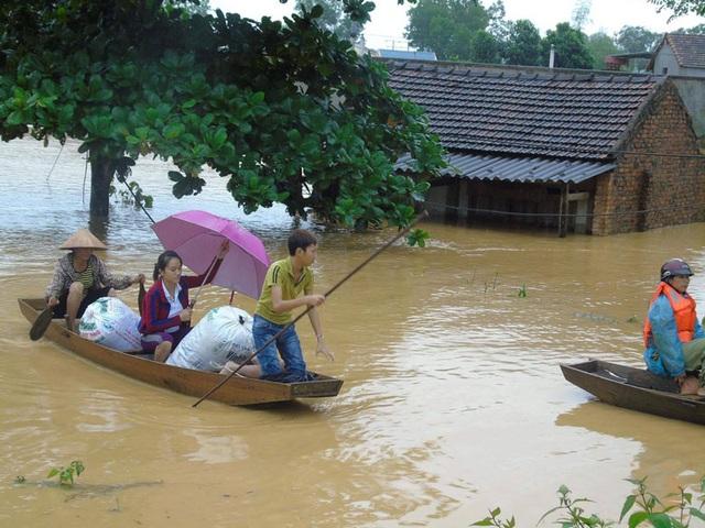 Người dân Hương Khê bức xúc khẳng định Nhà máy thủy điện Hố Hô xả lũ tần suất lớn khiến người dân không kịp trở tay.