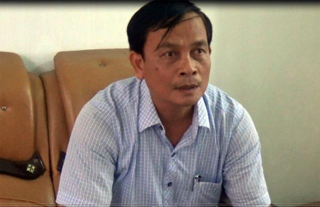 Ông Nguyễn Văn Báu, Chủ tịch UBND xã Cẩm Thăng chỉ xin rút kinh nghiệm chuyện bêu tên học sinh trên loa truyền thanh xã, còn chuyện thu để trả nợ thì chính quyền xã ắt phải làm, không còn cách nào khác.