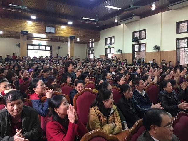 Hàng ngàn tiểu thương tới tham dự buổi đối thoại