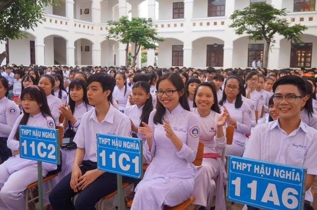 Các em học sinh tại lễ khai giảng