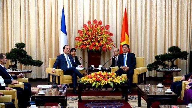 Lãnh đạo TP HCM tiếp kiến Tổng thống Pháp