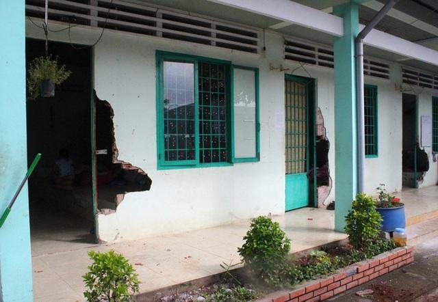 Nhiều phòng ốc tại Cơ sở điều trị nghiện ma túy Đồng Nai bị các đối tượng đập phá để đào thoát