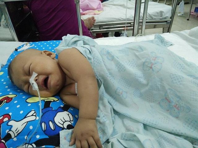 Ngày 1/11, Lộc Ninh đã vào bệnh viện Nhi đồng 1 chuẩn bị mổ để lắp buồng tiêm lần 2