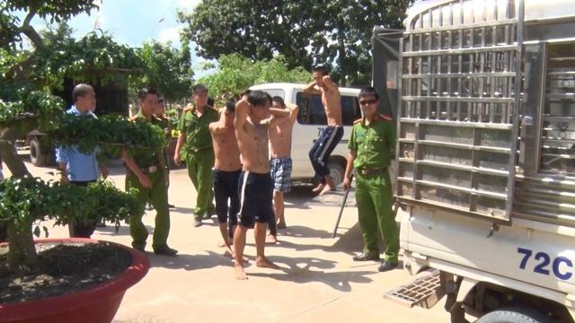 Các học viên trốn trại bị truy bắt trở lại
