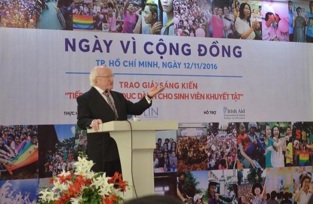 Theo Tổng thống Michael D. Higgins, chúng ta phải dẹp bỏ bất đồng để cùng ngồi lại trao đổi, thống nhất tầm nhìn, giúp xã hội phát triển bền vững và giúp cuộc sống của chính chúng ta tốt đẹp hơn.