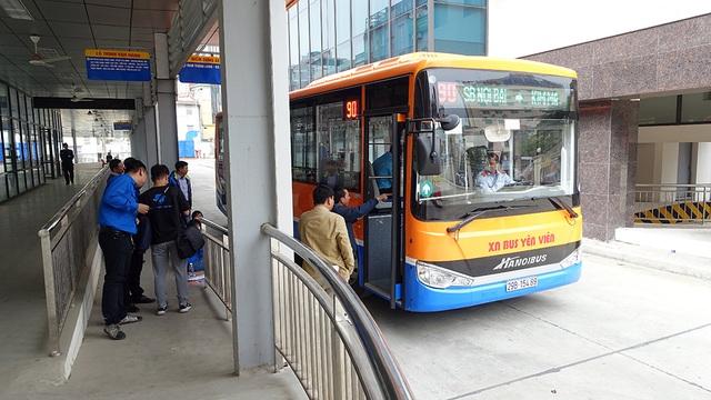 Tuyến xe buýt 90 đưa vào khai thác vào thời điểm cuối năm, là một lựa chọn thêm vào cho người dân Thủ đô và du khách.