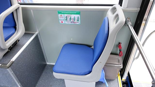 Ghế ngồi dành riêng cho trẻ em và người già.