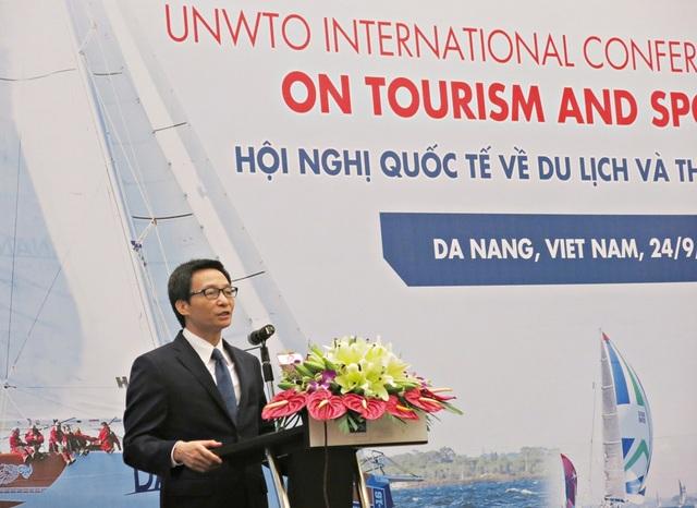 Phó Thủ tướng Vũ Đức Đam phát biểu tại Hội nghị quốc tế về du lịch và thể thao diễn ra ở Đà Nẵng sáng 24/9