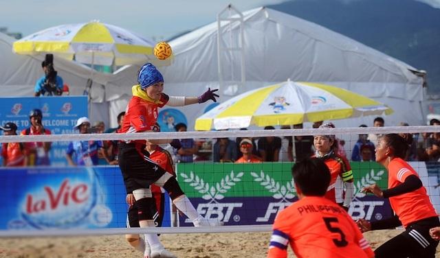 Những màn thi đấu ấn tượng ở bộ môn Cầu mây trên bãi biển Đà Nẵng