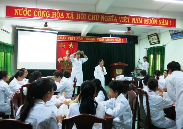 Khóa học thực nghiệm khoa học công nghệ lần đầu được tổ chức cho các em học sinh THCS ở Đà Nẵng