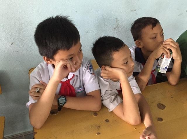 Sự xúc động của các em học sinh với những điều được nghe, được thấy trong chuyến đi
