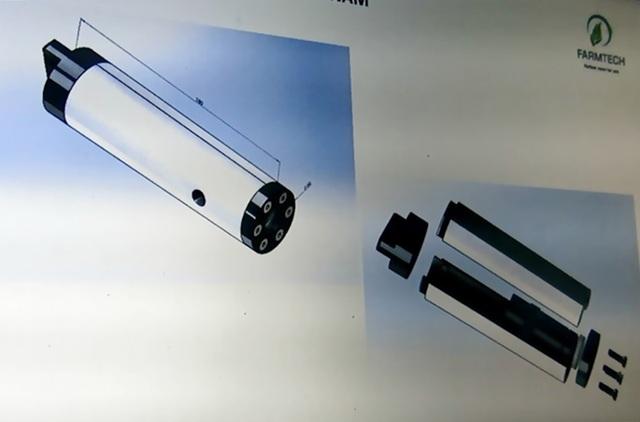 Mẫu sản phẩm version 3 rất nhỏ gọn (chiều dài cỡ 160 mm, và đường kính D 40 cm)