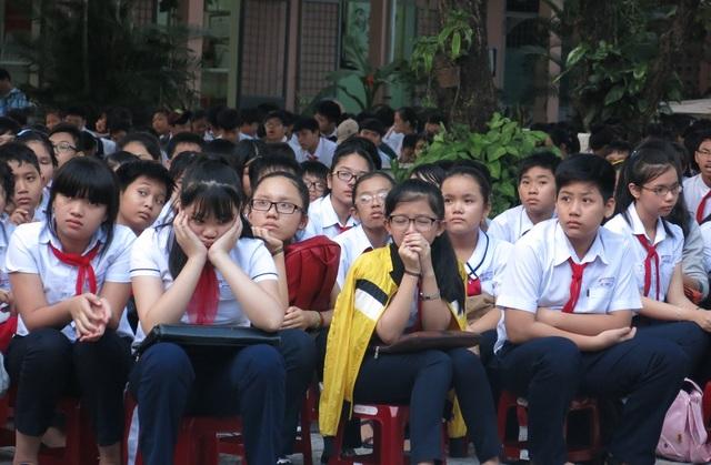 Học trò ướt mắt khi lắng nghe thầy Vương chuyện trò trong những giờ học không sách vở