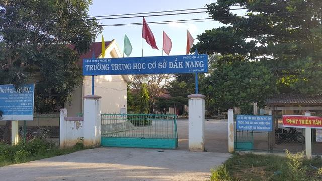 Trường THCS Đắk Nang có nhiều học sinh người đồng bào Sán Chỉ chỉ học đến lớp 8, lớp 9 là nghỉ.