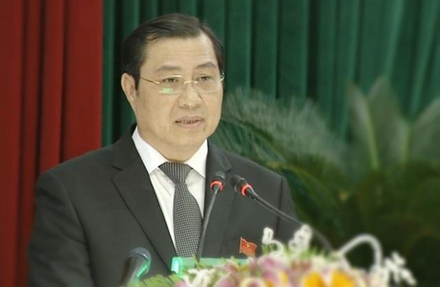 Ông Huỳnh Đức Thơ - Chủ tịch UBND TP Đà Nẵng phát biểu tại kỳ họp cuối năm của HĐND thành phố