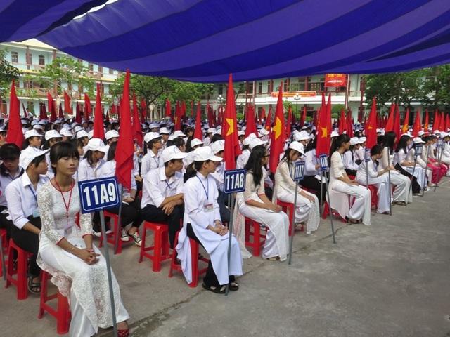 Học sinh trường THPT Xuân Trường rạng rỡ trong lễ khai giảng năm học mới
