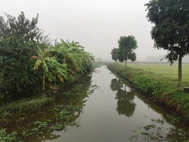 Dòng sông Thiên Phái nay chỉ còn là một con kênh nhỏ phục vụ việc tưới tiêu. Người dân 2 làng hòa thuận, sống đùm bọc lẫn nhau