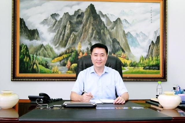 Thạc sỹ Trần Văn Trà, Phó Tổng giám đốc Công ty CP Tập đoàn Hương Sen tác giả chuỗi dây chuyền chiết lon và đóng hộp tự động công suất 50.000 lon/giờ