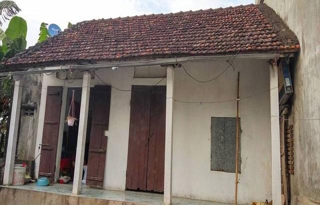 Căn nhà nhỏ nơi bà Túy một mình sống đơn độc suốt nhiều năm qua