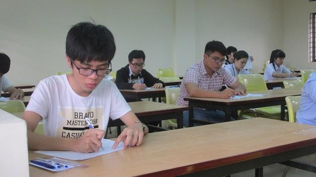 Thí sinh thi môn Sử trong kỳ thi THPT quốc gia năm 2016